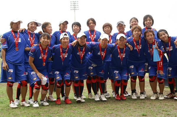 銀メダルを獲得したウイメンズ日本代表 銀メダルを獲得したウイメンズ日本代表 カテゴリー: 現地レ